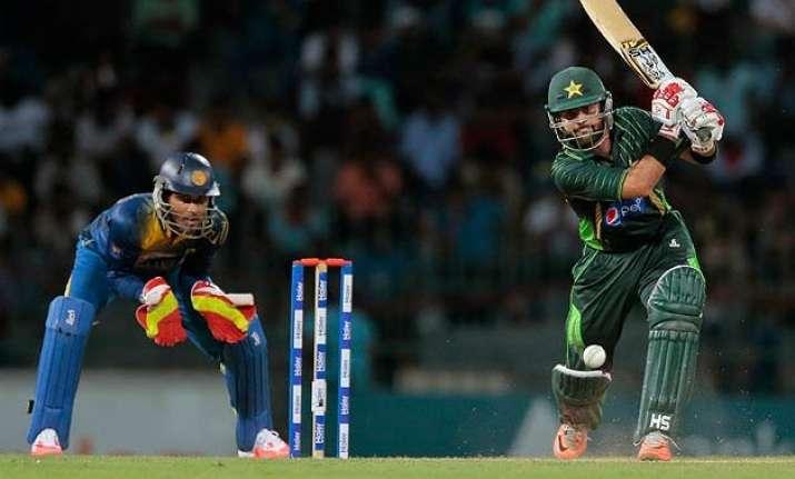 pakistan beat sri lanka by 7 wickets in 4th odi