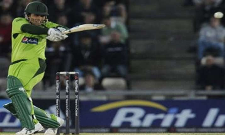 pak wins series 3 2 despite losing 6th odi
