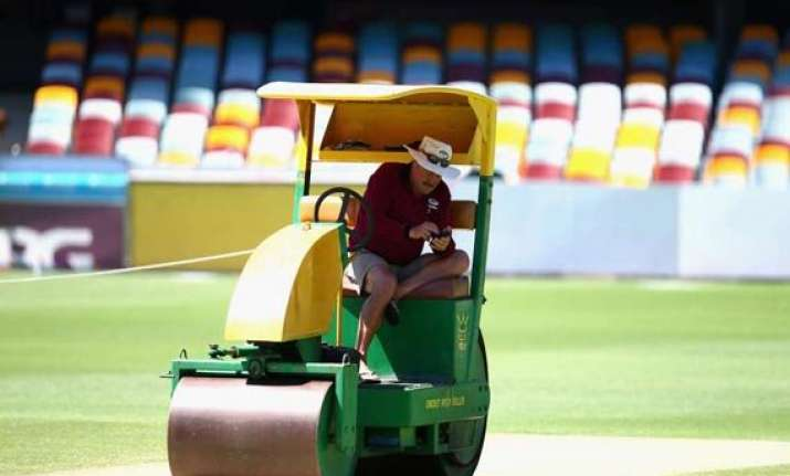 never faced complaints about practice pitches gabba curator