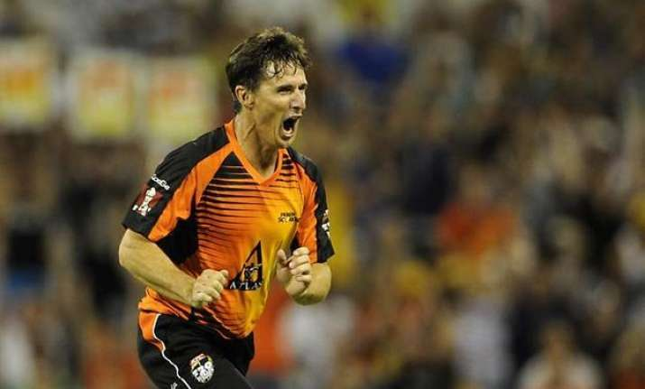 ipl 2015 hogg says he is set to sign for kolkata knight