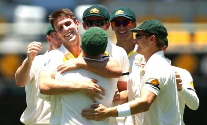 injured mitchell marsh won t bowl further in 2nd test