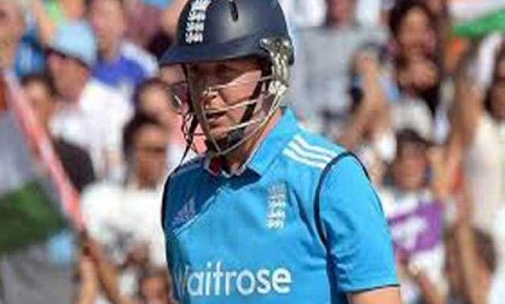world cup england batsman ballance fractures finger