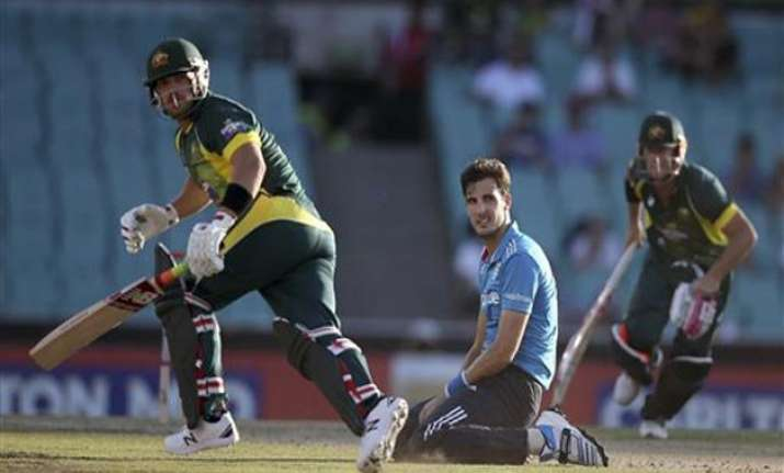 tri series 2015 australia vs england scoreboard 1st odi