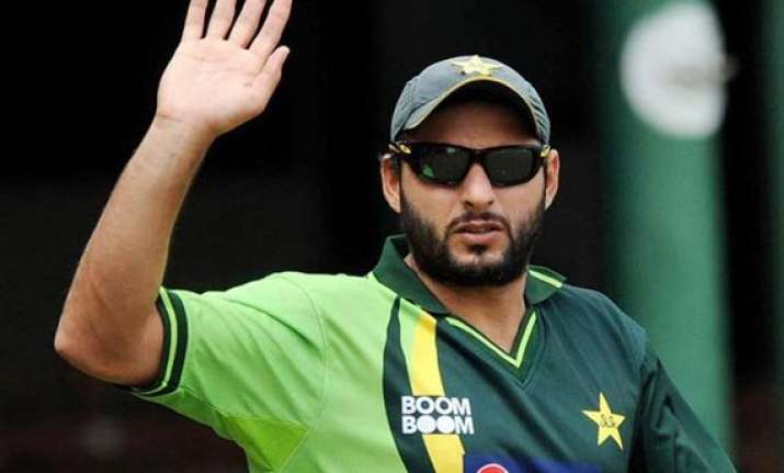 shahid afridi to quit odis after 2015 world cup
