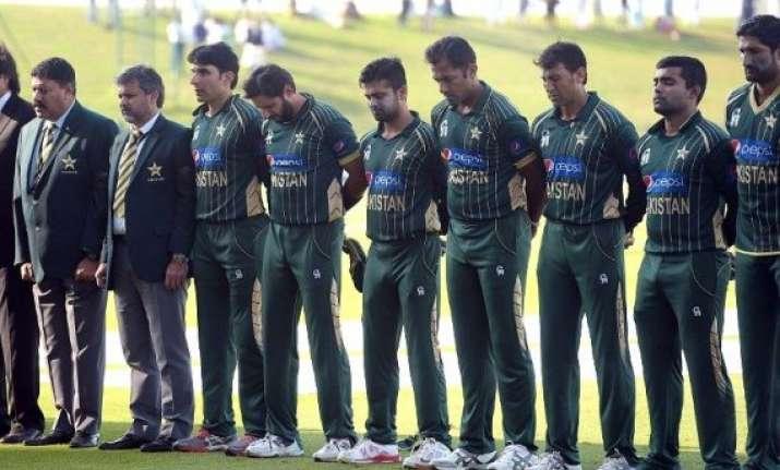 peshawar attack pak cricketers to visit terror hit army