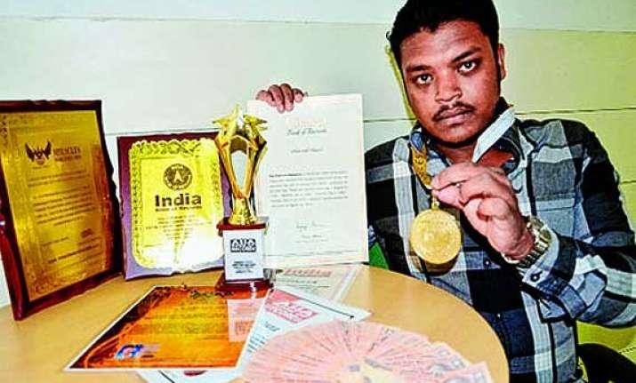 meet raj kishore mahanta an unique fan of master blaster