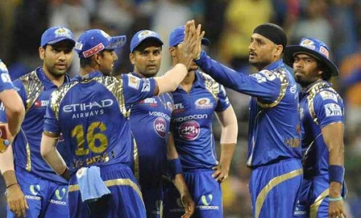ipl 8 mumbai indians thrash csk by 25 runs to enter final