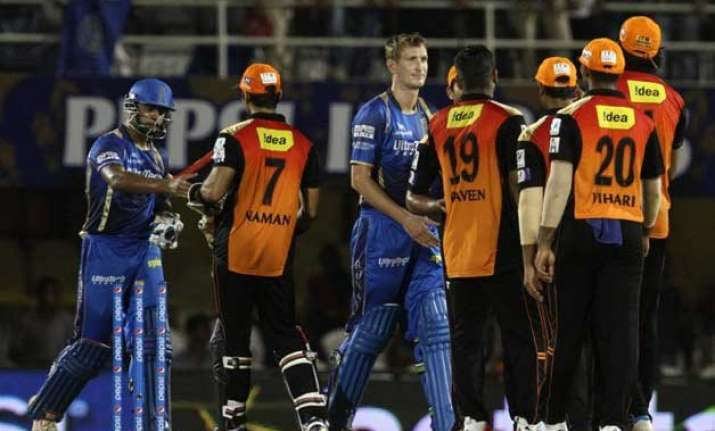 sunrisers down royals by 7 runs to remain in hunt for play