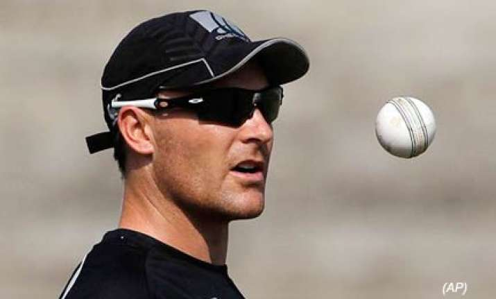 mccullum not completely fit for third odi