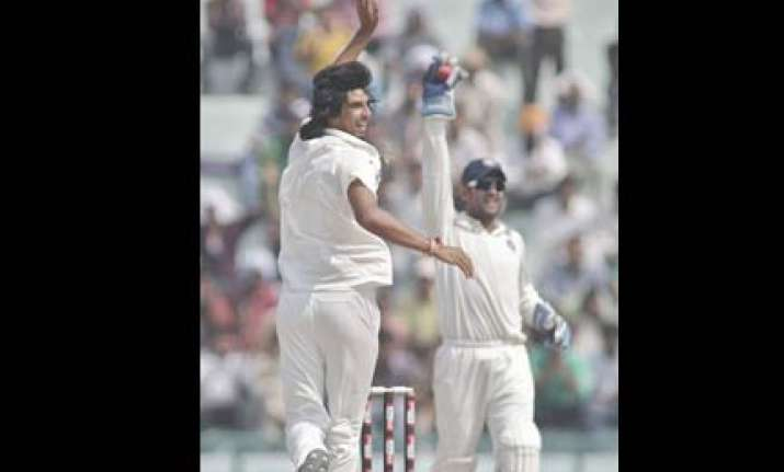 gambhir ishant out of second test laxman doubtful