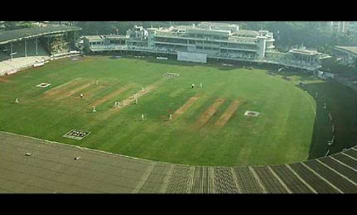 good wicket promised for mumbai test