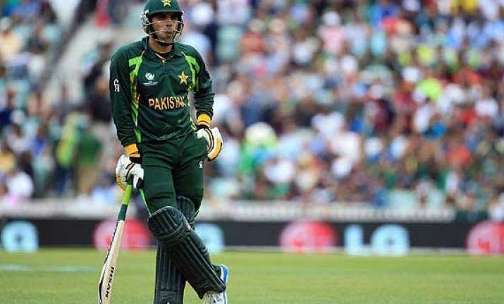 it will be a mistake to remove misbah before 2015 world cup