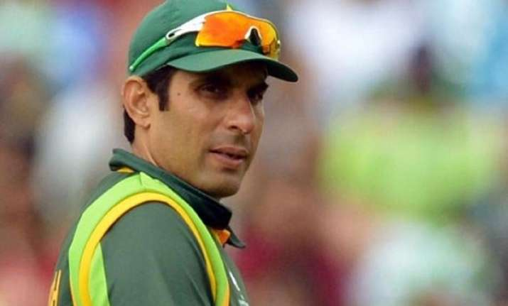 pakistan test skipper misbah has no plans to return to odis