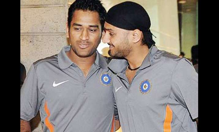 dhoni and harbhajan send police into tizzy