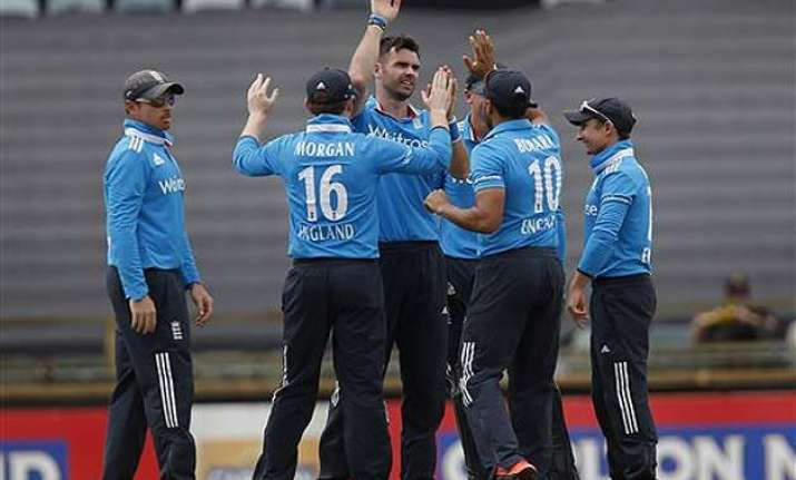 tri series 2015 india knocked out after losing to england