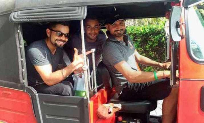 when virat harbhajan took autorickshaw in sri lanka