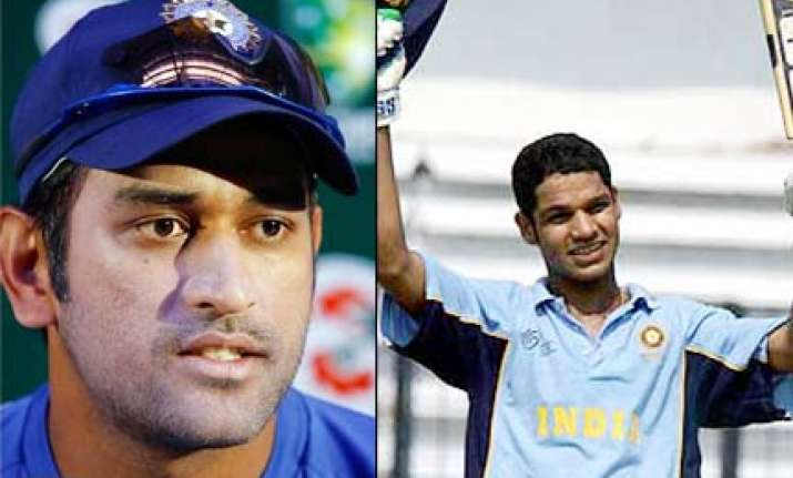 if shikhar does well bench strength will improve dhoni