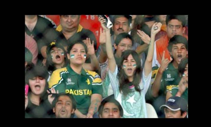 cricket crazy pak fans betrayed by match fixing reports