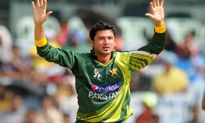 world cup injury puts pakistan bowler junaid khan in doubt
