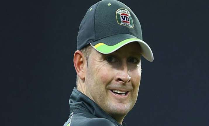clarke bowls in world cup warm up match