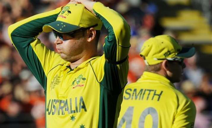 world cup 2015 clarke defends key bowling changes