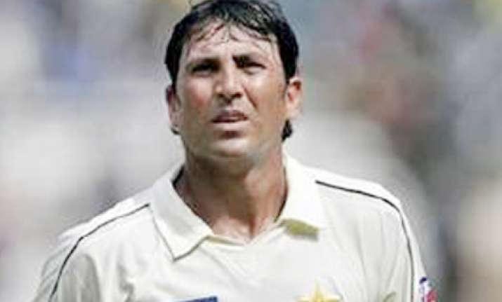 younis wants captaincy guarantee till 2011 wc reports