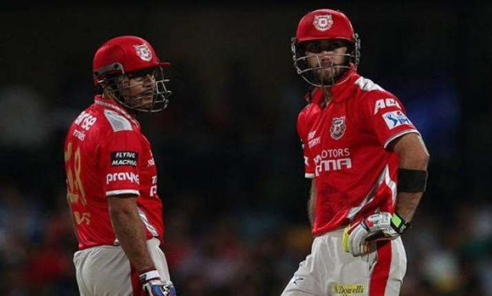 lucky to play alongside a legend like sehwag maxwell