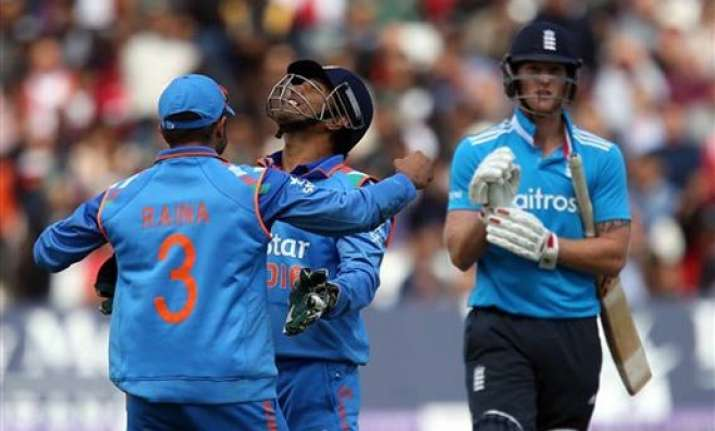 ind vs eng indian spinners restrict england to 227