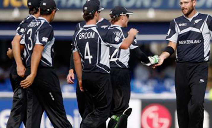 new zealand leaves for uae for series against pakistan
