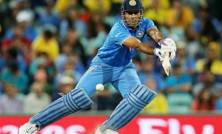 will decide whether to play 2019 world cup next year dhoni