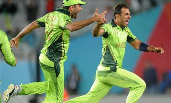 paceman riaz shines on a losing pakistan side at world cup