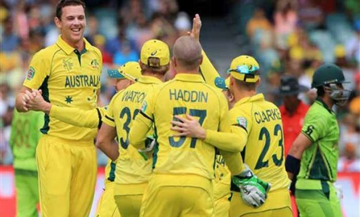 world cup 2015 hazlewood takes 4 35 pakistan out for 213 in