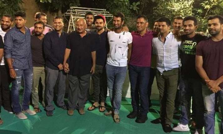 pujara hosts dinner party for team india at his residence