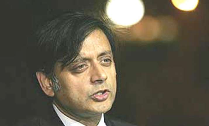 tharoor wants india pak cricket matches in usa