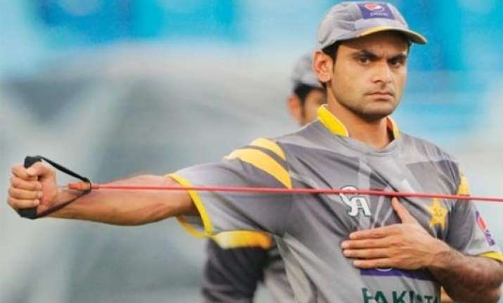 hafeez recovers from hand injury fit for first test