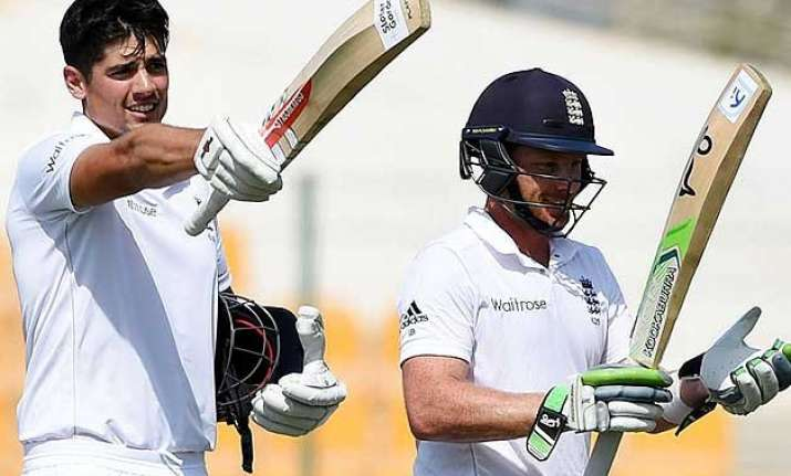 england reaches 290 3 at stumps against pakistan on day 3