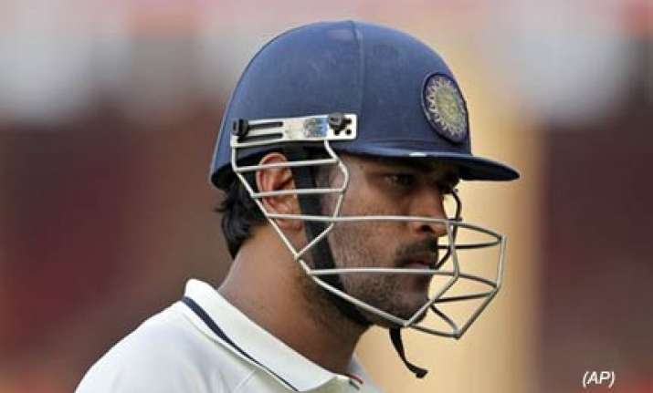 dhoni unhappy with nature of indian pitches