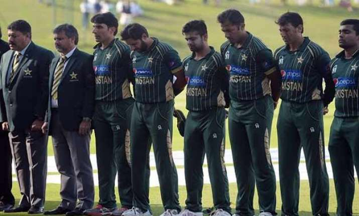 world cup bound pakistan squad to visit peshawar school