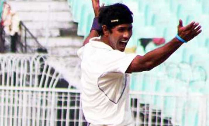 india a strike twice on day 1 of second unofficial test