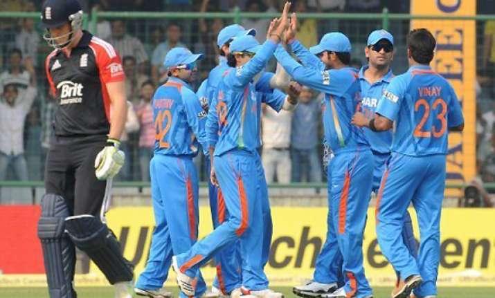 india eyes 5 0 whitewash against england in kolkata