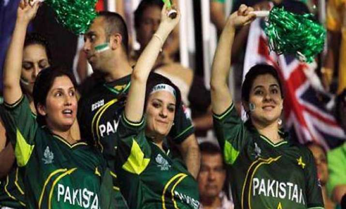 india to issue 3 000 visas to pak cricket fans 300 for vips