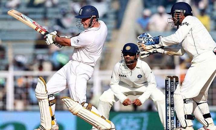 eng struggling at 41/3 against ind in 1st test