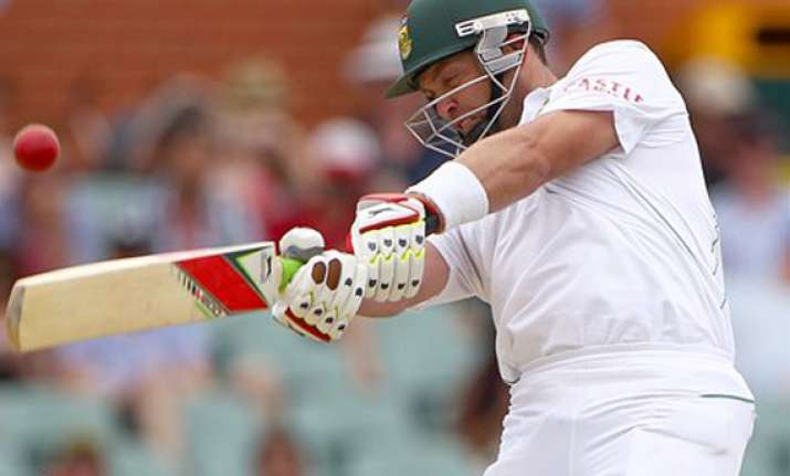 injured kallis helps south africa avoid follow on