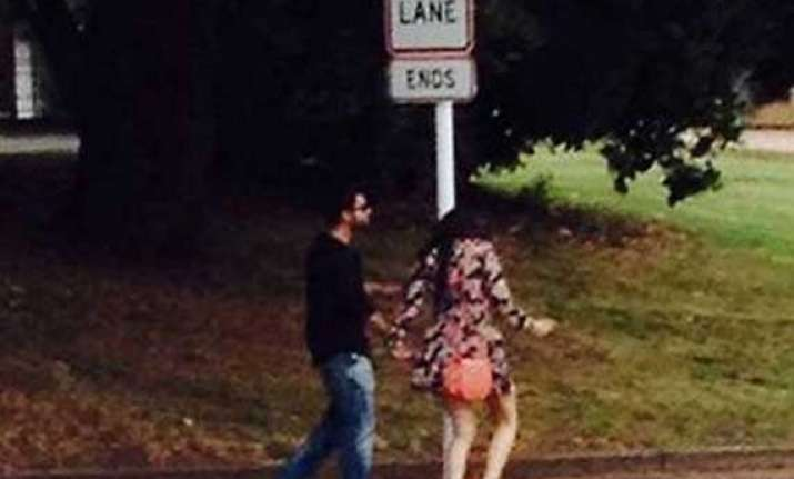 is anushka with virat in new zealand