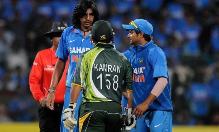 ishant kamran fined over bangalore incident