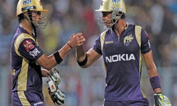 gambhir s kkr beat sehwag s dd by 17 runs
