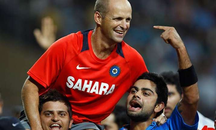 kirsten says family needs him can t stay with indian team