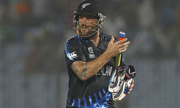 know brendon mccullum first batsman to complete 2000 runs