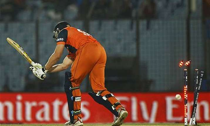 know the lowest totals teams scored in t20 internationals