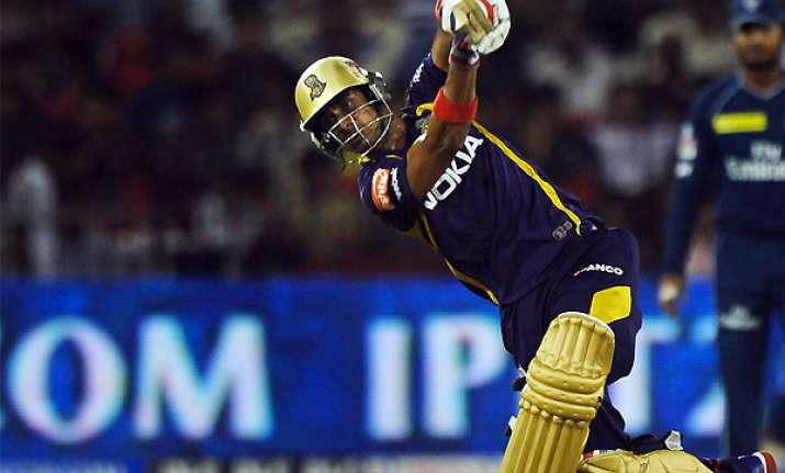 kolkata beat deccan jump to 3rd place in table